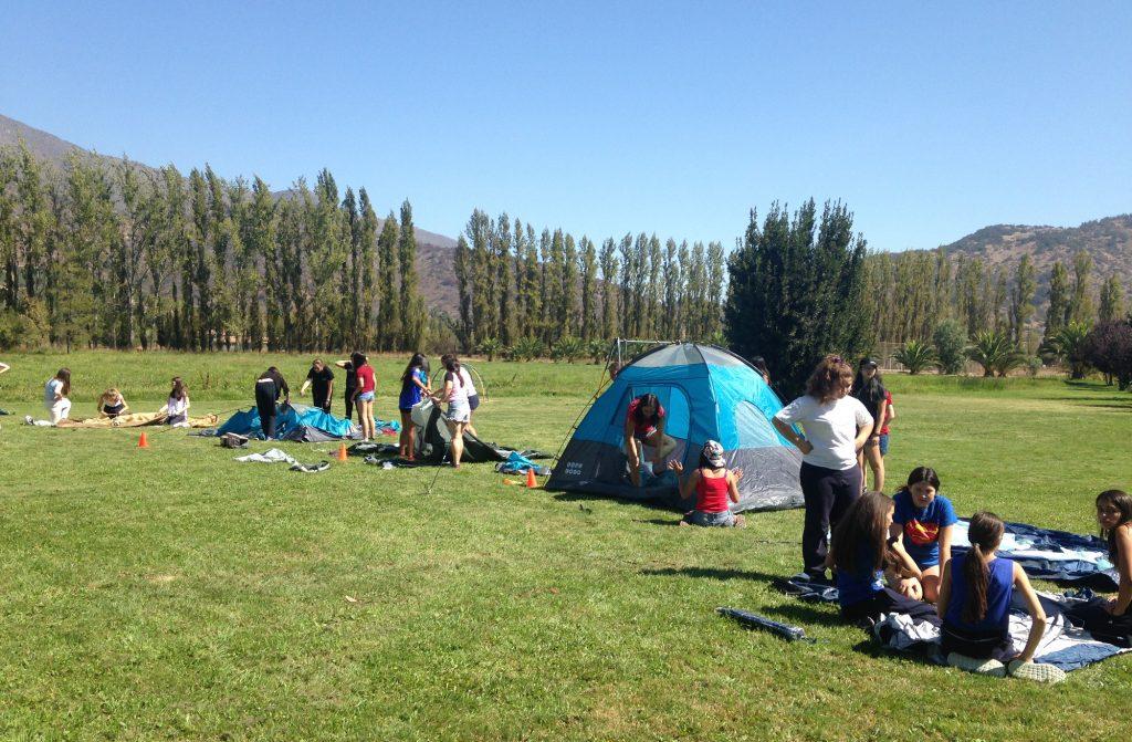 Contacto con la naturaleza y trabajo en equipo: Experiencia de Campamento I° medios