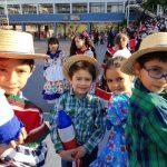 Alumnos de  Pre-Escolar y E. Básica... se lucieron en presentación Folclórica
